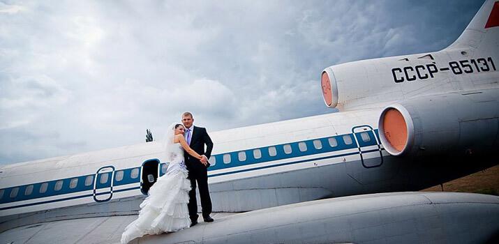 Фото: Оригинальные места для празднования свадьбы - Борт самолета