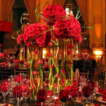 Фото: Модный цвет для свадьбы - красный