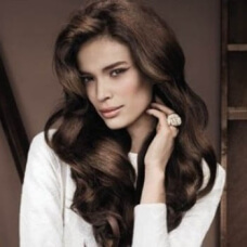 Фото: Модные стрижки для женщин после 40 на длинные волосы