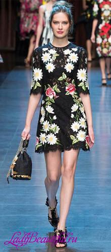 Коктельные платья в цветочек 2016