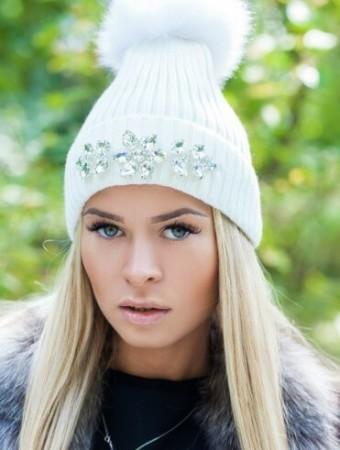 Модные шапки со стразами осень-зима 2016-2017