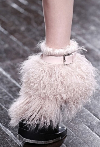 Модная пушистая обувь осень-зима 2016-2017