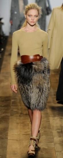 Модные юбки из меха осень-зима 2016-2017