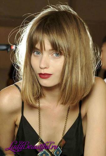 Прически с челкой на средние волосы