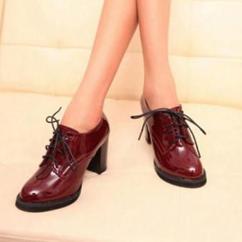 Модные ботильоны на шнуровке