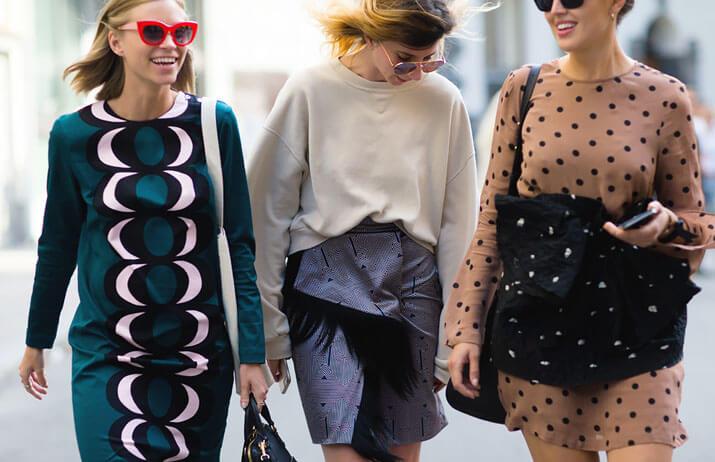 Модные образы уличной моды осень-зима 2016-2017 — платья