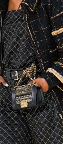 Chanel — Пристегнутые к поясу сумки