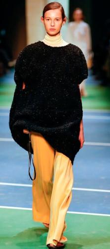 Модные свитера и туники в стиле оверсайз