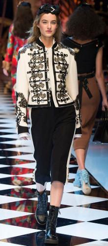 Модные оригинальные пиджаки и жакеты