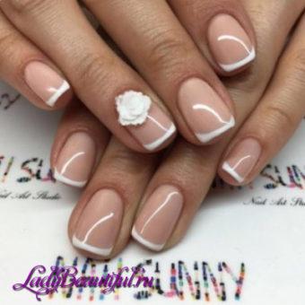 Модные золотые ногти весна-лето 2017