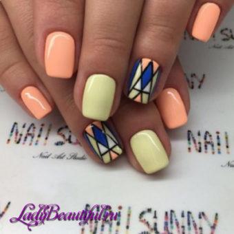 Модный геометрический декор ногтей весна-лето 2017
