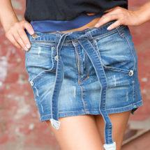 Стильные летние образы с джинсовой юбкой: фото-идеи