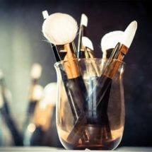 Как правильно использовать кисти для макияжа?